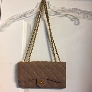 Handbags - 👛Brown with Gold Accents Bag